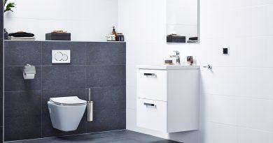Bouwmaat bouwt een badkamer